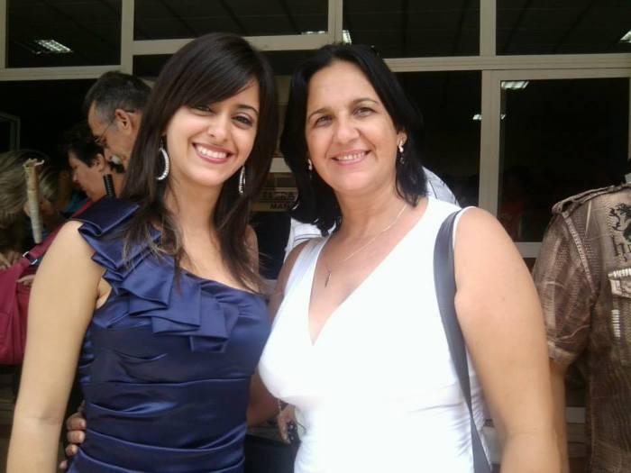 Con Angélica un alumna en la graduación de los Comunicadores Sociales