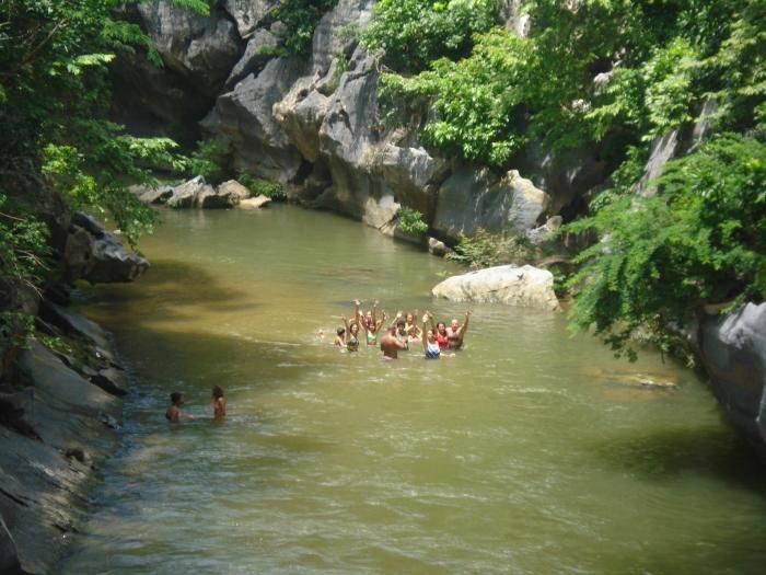 La rocosidad que rodea al río Cuyaguateje hace que el agua siempre esté muy fría