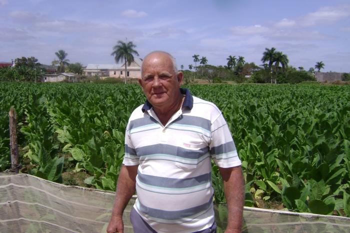 Miguel Rivera es un hombre apegado a la tierra