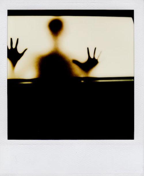 No es un fantasma cualquiera, el adora los adelantos de la tecnología