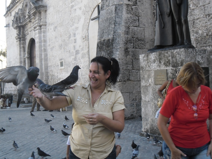 Las palomas en la catedral de La Habana Vieja