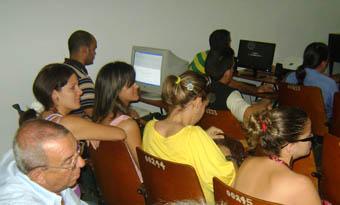 Carlos Alberto Pérez Benítez. Departamento de Comunicación del ISA. Bloguero. Chiringadecuba.com actualzia el facebook en el coloquio de redes sociales CORESMA en Pinar del Río