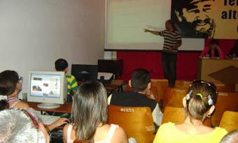 La exposición de diversos puntos de vista sobre las realidades de los blogs y demás redes sociales,fueron el tema principal de CORESMA, evento quese realizó en el periódico Guerrillero
