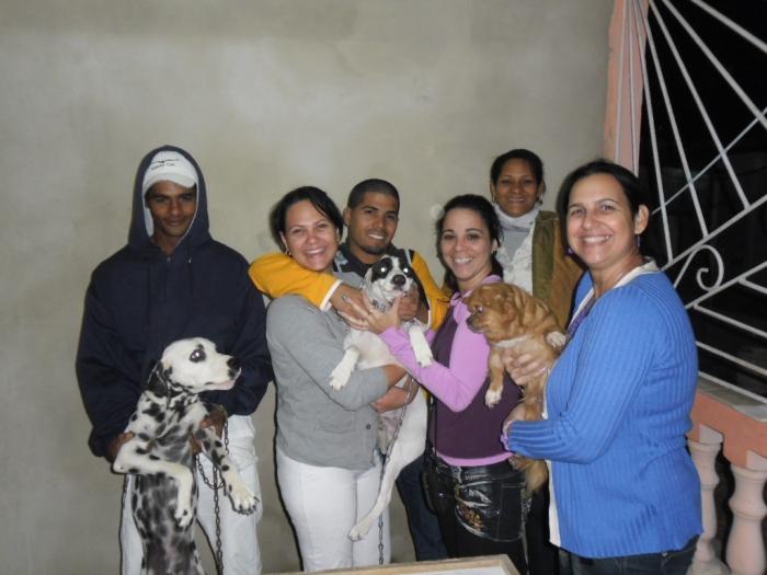 También los perros de los vecinos participaron en la fiesta