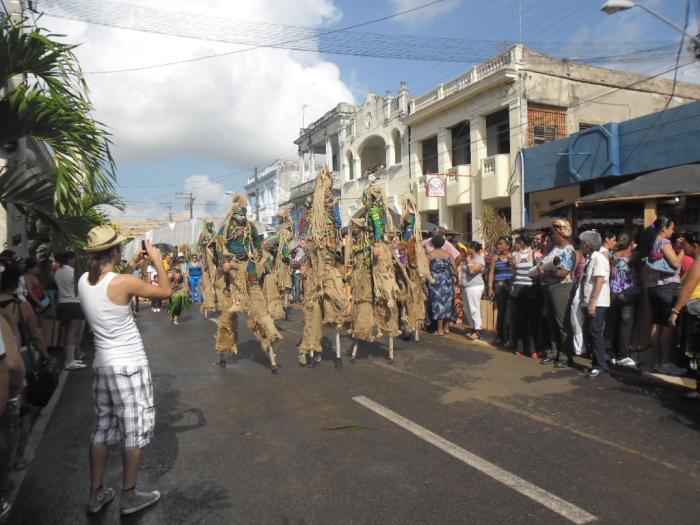 La calle Martí de Pinar del Río se viste de Feria