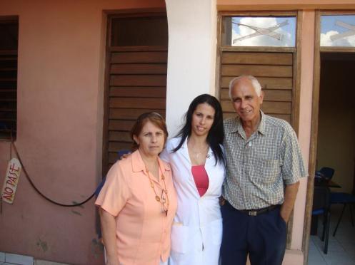 Meyra, la doctora  nuestra, la q vela cada uno de nuestros dolores, la  extrañaremos mientras cumple su misión en Venezuela