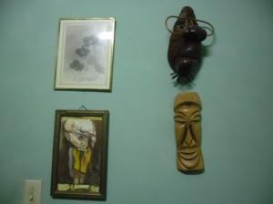 Detalles que adornan mi biblioteca, todos regalos de mis amistades