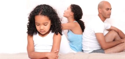 El principal problema que tienen los hijos cuando surge la separación o el divorcio, es que los padres incurren en una serie de conductas erróneas para con ellos.