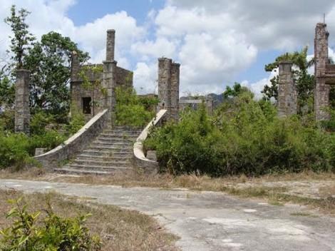 Cortina edificó, en medio de un pintoresco y atractivo pasisaje, elementos arquitectónicos, escultóricos y culturales que le dieron un sello distintivo y único en comparación con propiedades similares en Cuba.