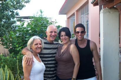 Noel Gorgoy junto a su familia