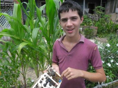 Juani, uno de los pocos autistas en Cuba