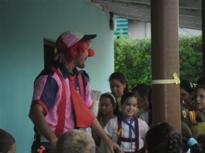 En las escuelas primarias es importante el desarollo cognoscitivo y cultural de los niños