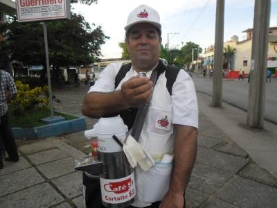 Soler es un cuentapropista pinareño que sabe muybien cómo atender su negocio