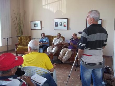 Una de las sesiones de presentaciones de libros en la casa del Joven Creador