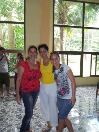 Con dos colegas en el encuentro en Viñales