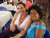 Con mi colega de la radio María Teresa