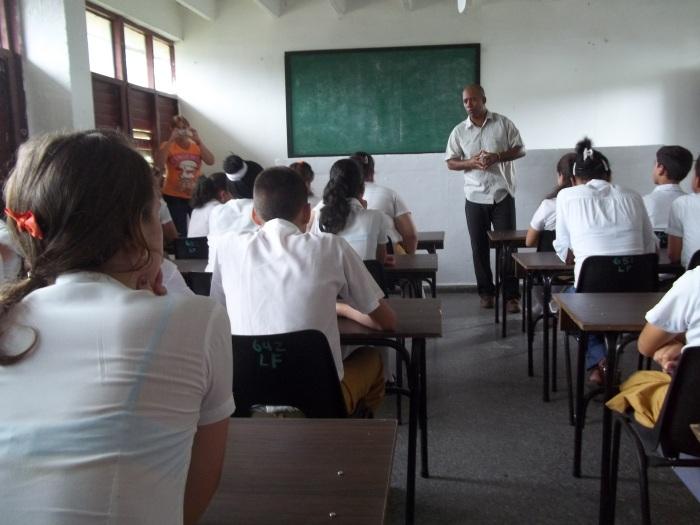 Fidel Quillermo trata el tema de la racialidad en el taller