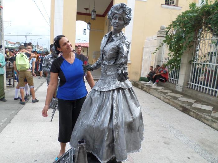 Junto a la célebre María Teresa Vera