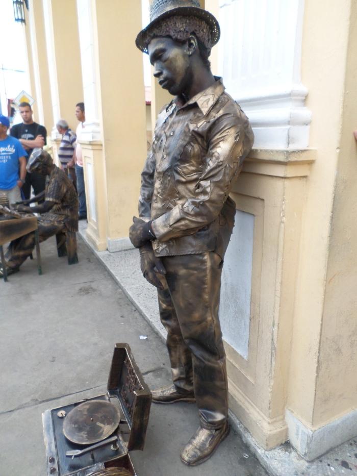 Otra de las estatuas vivientes