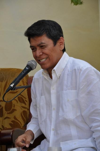 Álvaro Torres en rueda de prensa en Pinar del Río