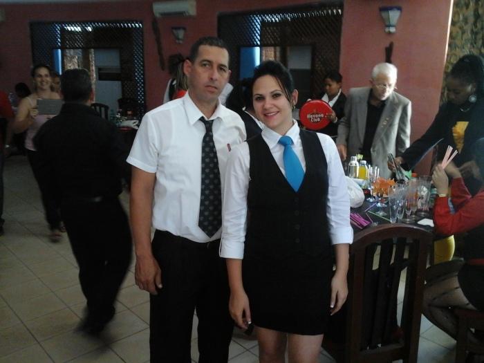 Adilén Hernández y Reynel ,del jurado de cata