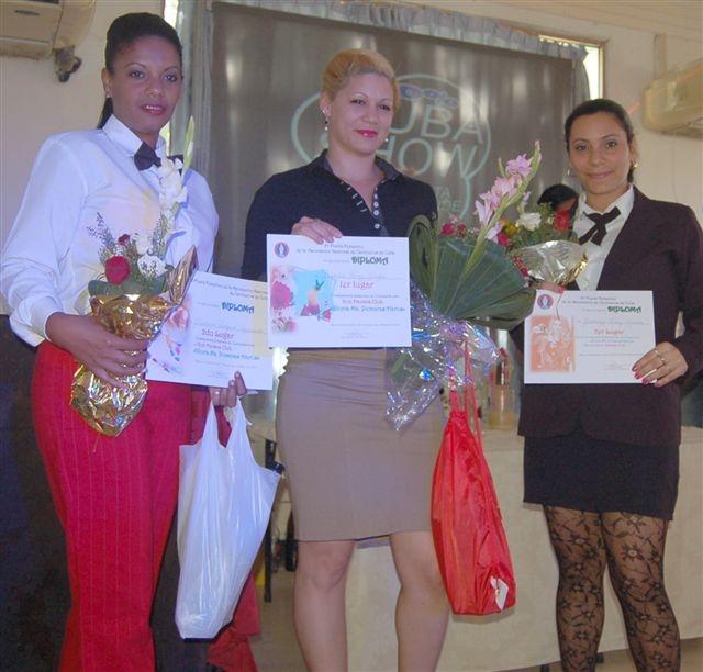 Habana Club bien representado en certamen de cantina Con sabor a mujer con #