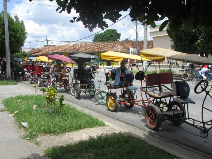 Los bicitaxis en Pinar del Río