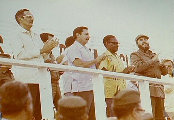 Fidel Castro Ruz, en el acto por el 26 de Julio de 1976, en Pinar del Río. Junto a él Agustino Neto, presidente de Angola, Raúl y Julio Camacho Aguilera, Primer Secretario del PCC de la provincia